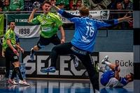 Im Maxi-Cosi schon zum Handball